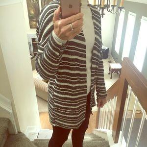 3 Dot striped sweater